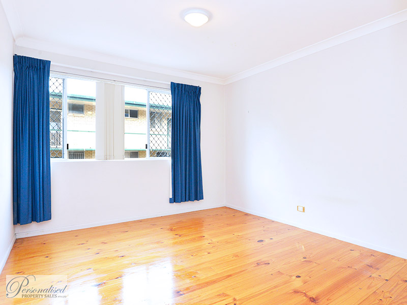 Personalised-property-sales-unit-for-sale-lutwyche-brisbane-master-bedroom-76